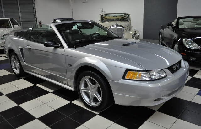 2000 Ford Mustang GT Convertible RWD
