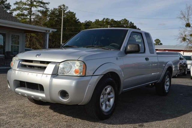 2004 Nissan Frontier 2 Dr XE Extended Cab SB