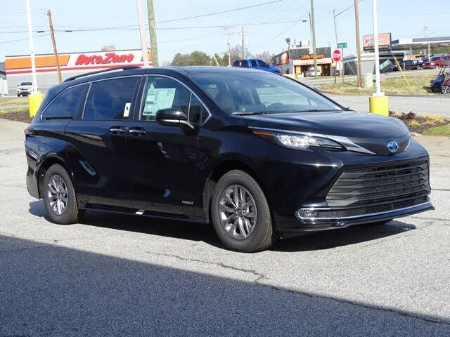 2021 Toyota Sienna XLE 7-Passenger FWD