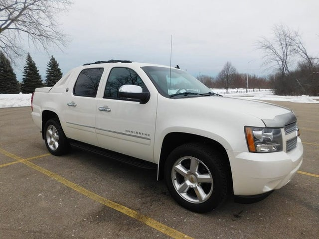 2013 Chevrolet Avalanche LTZ Black Diamond Edition 4WD