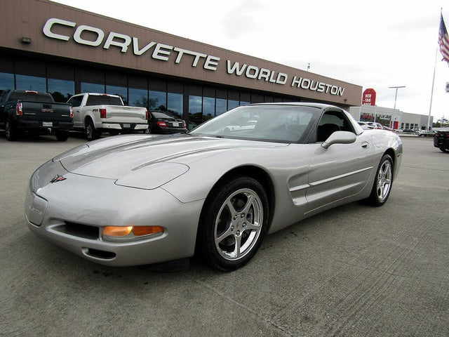 2004 Chevrolet Corvette Coupe RWD