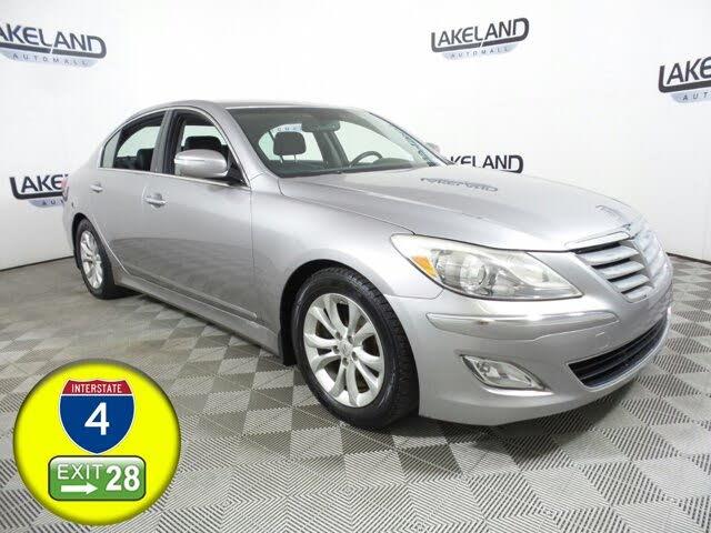 2013 Hyundai Genesis 3.8 RWD