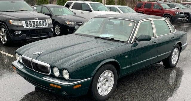 1998 Jaguar XJ-Series XJ8 Sedan RWD