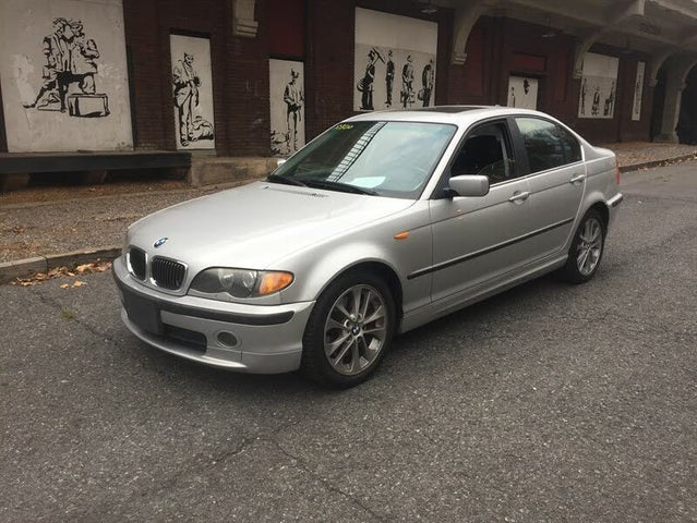 2004 BMW 3 Series 330xi Sedan AWD