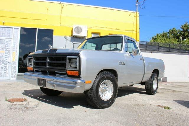 1986 Dodge RAM 150 RWD