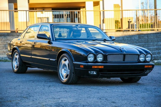 1996 Jaguar XJ-Series XJR Supercharged Sedan RWD