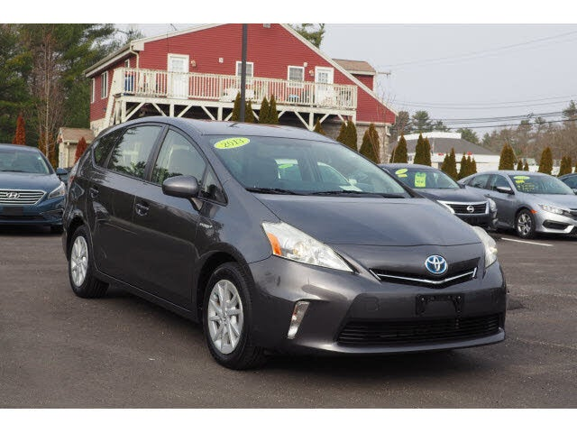 2013 Toyota Prius v Five FWD