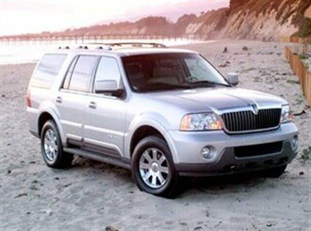 2004 Lincoln Navigator Luxury RWD