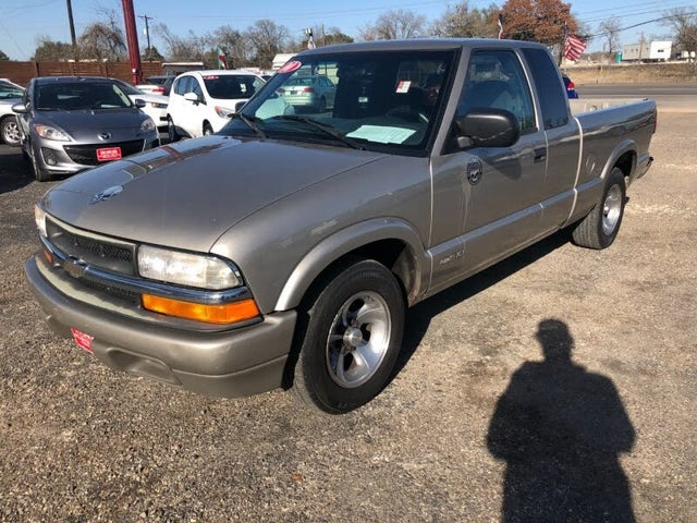 2000 Chevrolet S-10 LS Extended Cab Stepside RWD