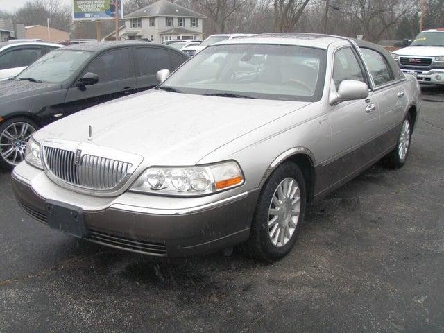 2003 Lincoln Town Car Signature