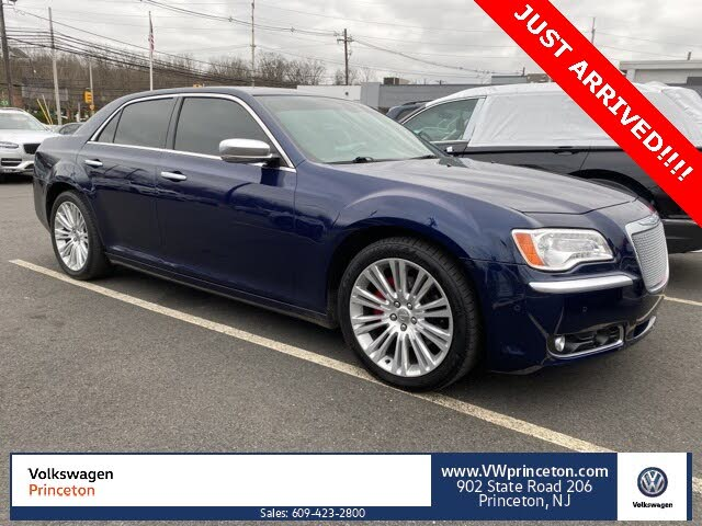 2014 Chrysler 300 C John Varvatos Luxury Edition RWD