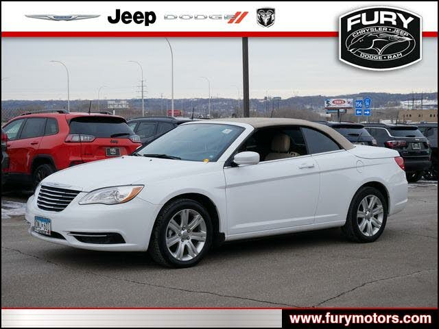 2012 Chrysler 200 Touring Convertible FWD