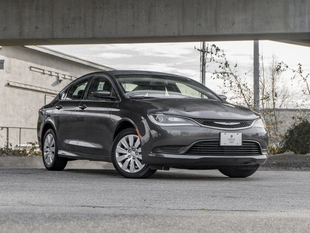 2017 Chrysler 200 LX Sedan FWD