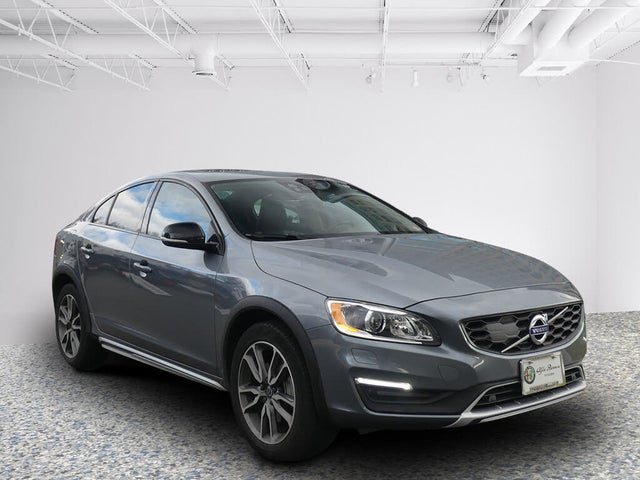 2017 Volvo S60 Cross Country T5 Platinum AWD
