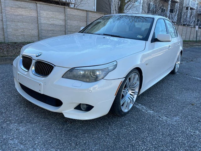 2010 BMW 5 Series 550i Sedan RWD