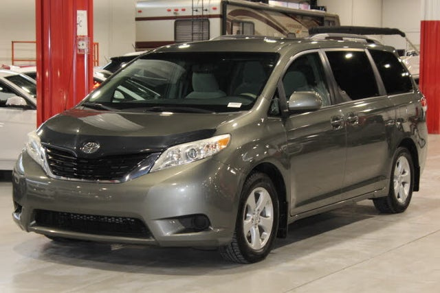 2012 Toyota Sienna LE Mobility 7-Passenger