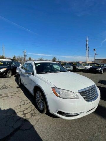 2012 Chrysler 200 Limited Sedan FWD