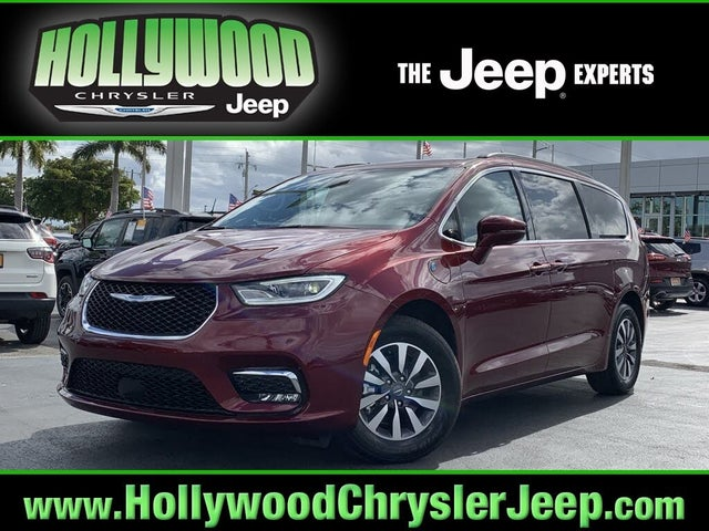 2021 Chrysler Pacifica Hybrid Touring FWD
