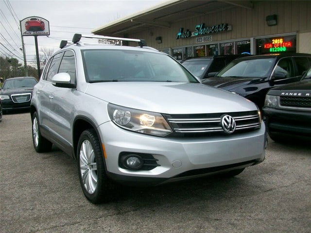 2015 Volkswagen Tiguan SE with Appearance