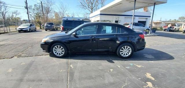 2013 Chrysler 200 Touring Sedan FWD