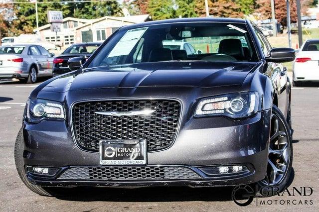 2018 Chrysler 300 S RWD