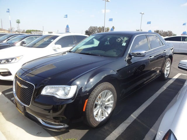 2017 Chrysler 300 C RWD