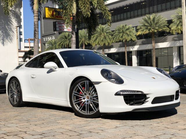 2015 Porsche 911 Carrera GTS Coupe RWD