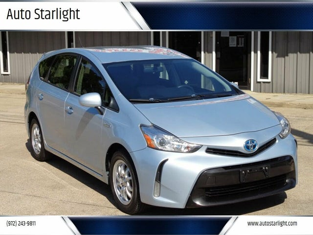 2015 Toyota Prius v Two FWD