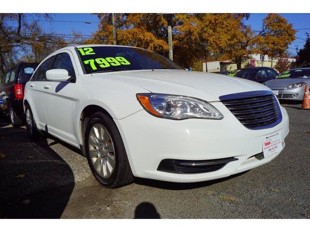2012 Chrysler 200 LX Sedan FWD