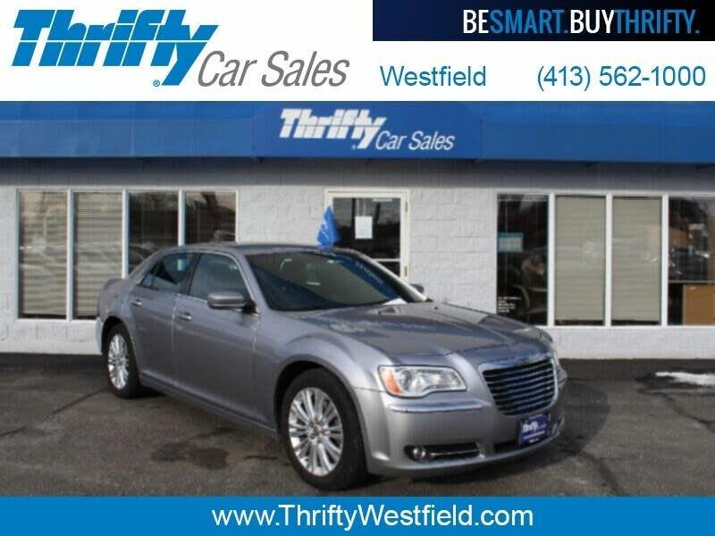 2014 Chrysler 300 300C 300S 300 SRT 48-Page Deluxe Dealer Sales Brochure