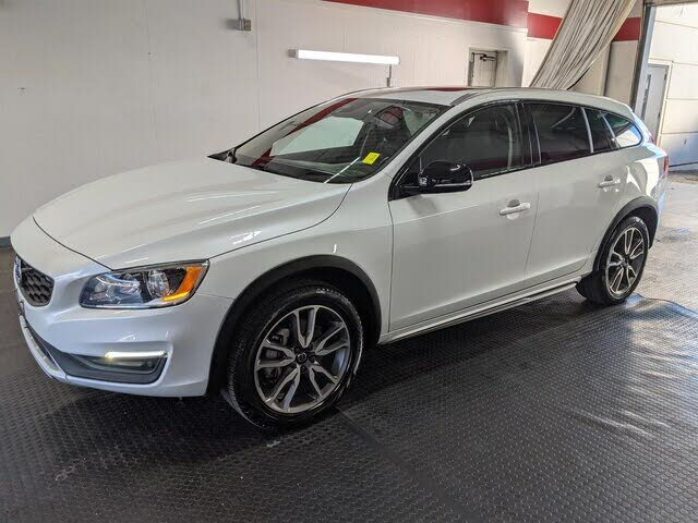 2018 Volvo V60 Cross Country T5 Premier AWD
