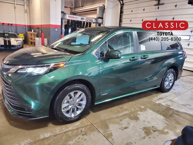 2021 Toyota Sienna LE 8-Passenger FWD