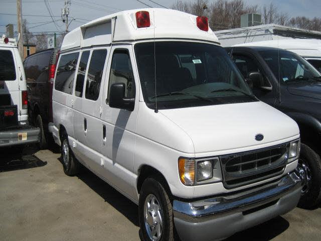 1999 Ford E-Series E-150 XLT Club Wagon