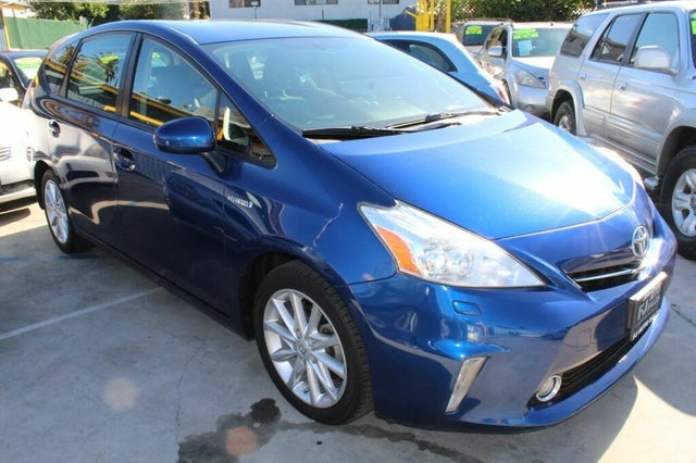 2014 Toyota Prius v Five FWD