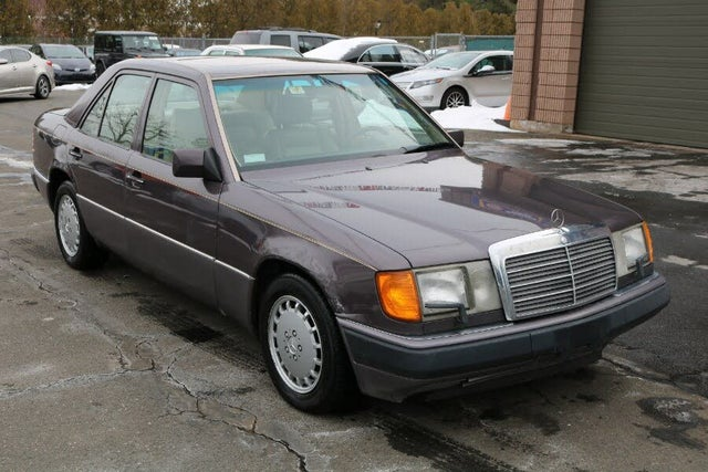 1991 Mercedes-Benz 300-Class 4 Dr 300E Sedan