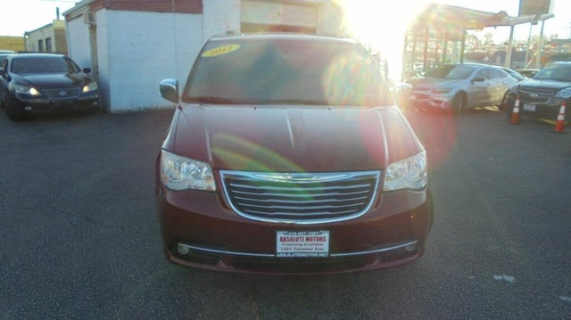 2011 Chrysler Town & Country Touring-L FWD