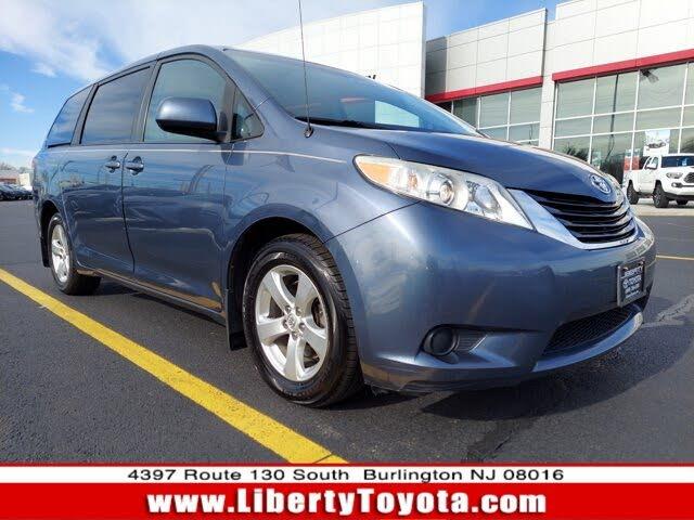 2014 Toyota Sienna LE 8-Passenger