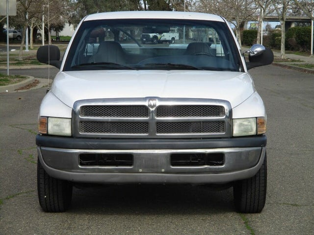 2001 Dodge RAM 2500 ST LB RWD