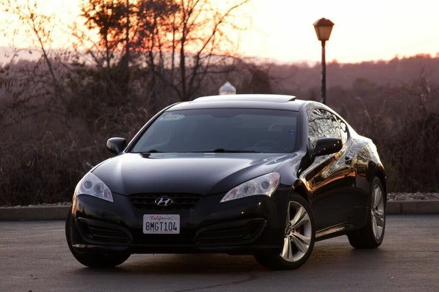 2011 Hyundai Genesis Coupe 2.0T Premium RWD