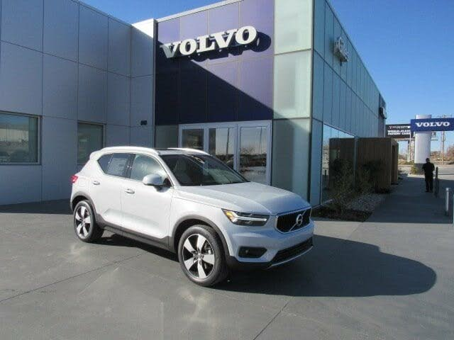 2021 Volvo XC40 T4 Momentum FWD