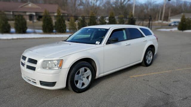 2008 Dodge Magnum RWD