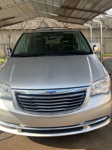 2011 Chrysler Town & Country Limited FWD