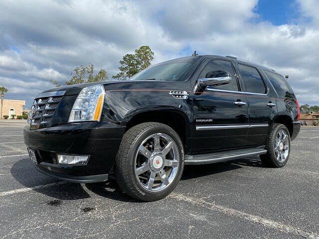 2013 Cadillac Escalade Luxury RWD