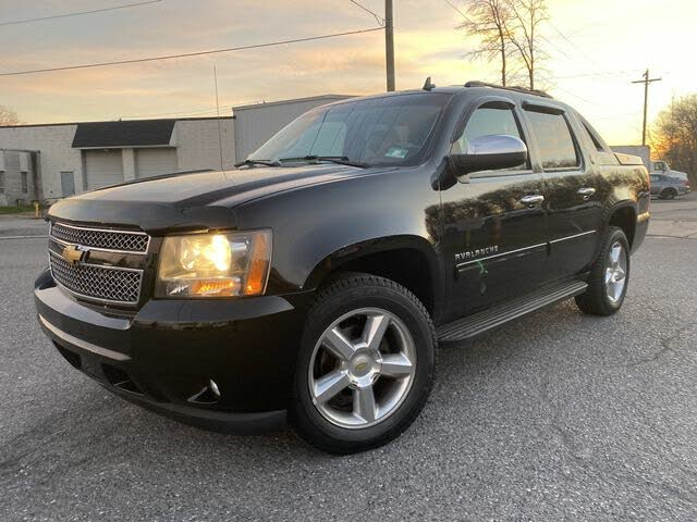 2013 Chevrolet Avalanche LT Black Diamond Edition 4WD