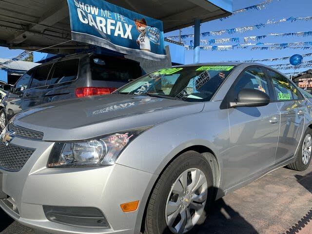 2013 Chevrolet Cruze LS Sedan FWD