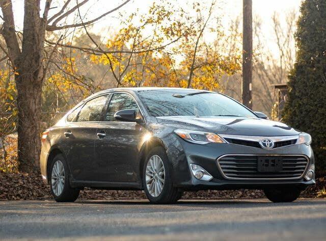 2013 Toyota Avalon Hybrid XLE Premium FWD