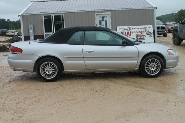 2004 Chrysler Sebring LXi Convertible FWD