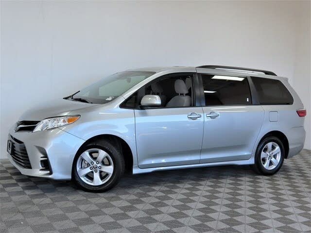2020 Toyota Sienna LE Mobility 7-Passenger FWD