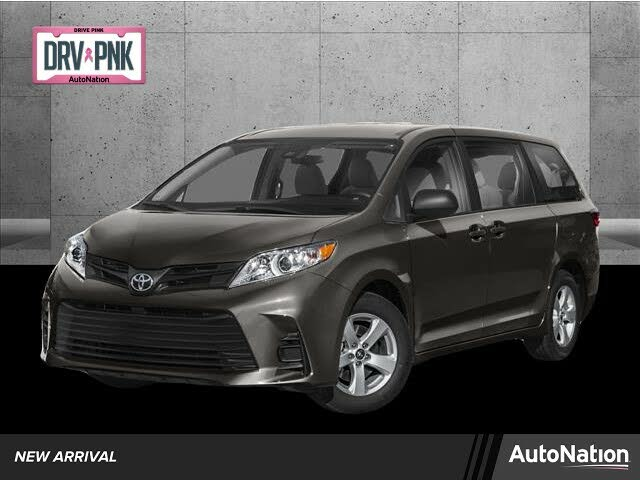 2020 Toyota Sienna XLE 7-Passenger FWD with Auto-Access Seat