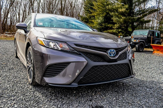 2020 Toyota Camry Hybrid SE FWD